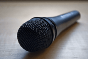 mic to record reaction video voice